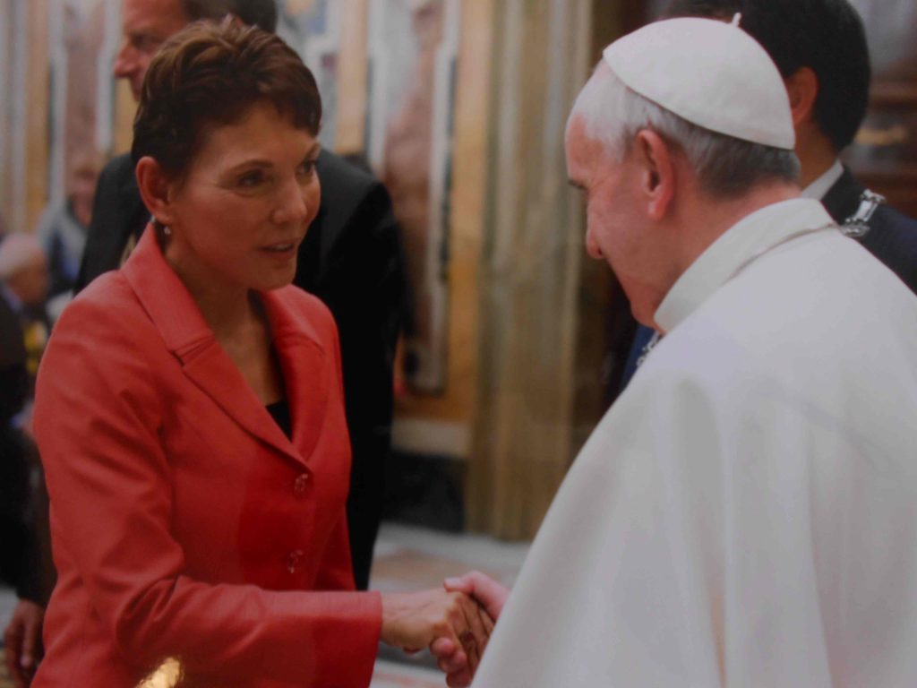 Reggie Littlejohn Meets Pope Francis during the 2013 MaterCare International Conference in Rome.  Photo Courtesy of Women's Rights Without Frontiers