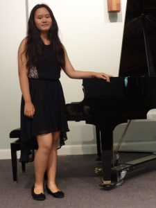 After two years' study, Anni won a competition play at Carnegie Hall in December 2016.